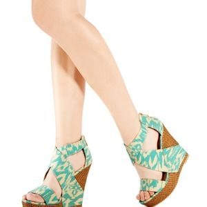Just Fab Maisy wedges NEW Size 7